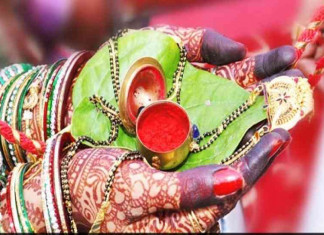 Hindu woman's refusal to wear 'sakha' and 'sindoor' signifies refusal to accept marriage: HC