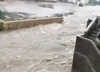 Khambhalia in Gujarat gets 17 inches of rainfall, 11 inches in just two hours