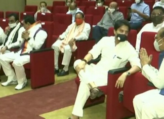MP Cabinet Expansion: 28 ministers inducted including a dozen Scindia loyalists