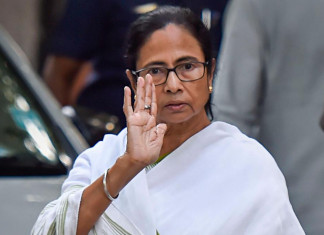 Mamata lashes out at BJP for engaging in politics amid corona & Amphan crisis