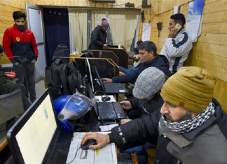 Broadband, 2G Internet Service Partially Restored in Parts of Jammu and Kashmir