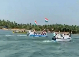 Karnataka: People Traveled By Boat to Mangaluru for Anti-CAA Protest