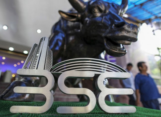 Sensex tanks 984 points due to intense sell-off as COVID-19 cases continue to rise