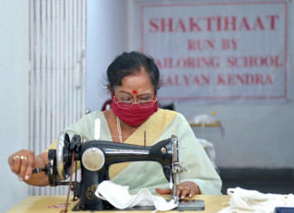 First lady Savita Kovind stitches masks for COVID-19 battle