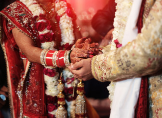 Rajkot couple gets married amid COVID-19 pandemic without the Saat Pheras