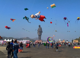 Will tourists get a grand welcome at the Statue of Unity if locals oppose the same?