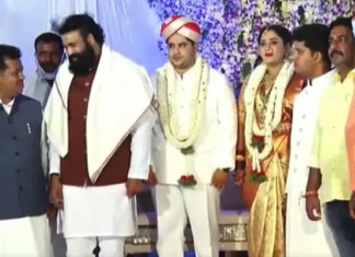 K'taka politicians at it again! Cong MLAs wedding see hundreds gather without a mask