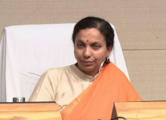 As cases rise, Guj health secy Jayanti Ravi meets officials in Jamnagar