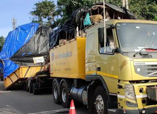 Truck carrying heavy machinery for space project took a year to reach Kerala from Maharashtra