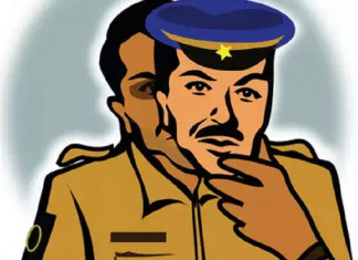 Employee uses fake cops to get dues, employer brings in real ones to nab them