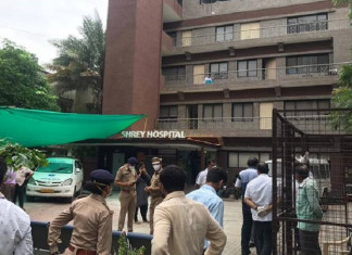 Eight dead in early morning fire at Shrey Hospital in Ahmedabad