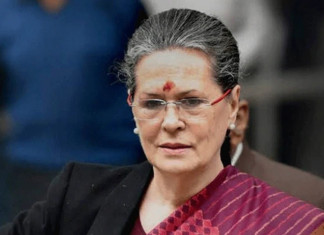 Sonia Gandhi to remain Congress chief