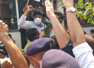 Amit Chavda, Paresh Dhanani detained for protest against farm bills