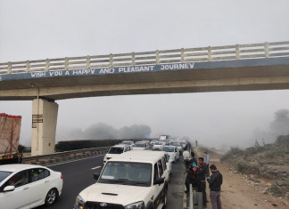 Fog results in a pile-up, accident of 45 vehicles on Ahmedabad-Vadodara Express Highway