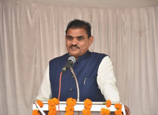 Slip of Tongue: Gujarat minister urges people to vote for Congress