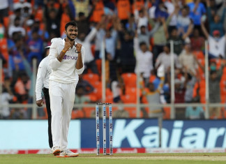 England collapses for just 112 runs in first innings against India