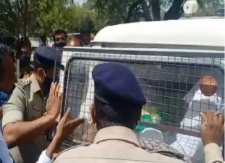 Farmer leader, others detained at ongoing press conference in Ahmedabad, Tikait calls it the Gujarat Model