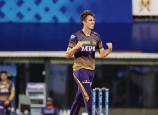 KKR pacer and Australian cricketer Pat Cummins wins hearts for this gesture