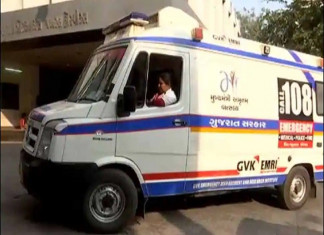 HC lambasts Gujarat govt, says people can't be left to die outside hospitals for not coming in 108 ambulance